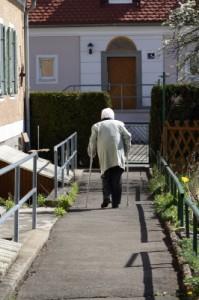 Wir werden immer älter und kranker - Foto: pixelio.de